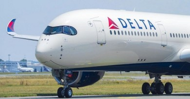Rising fuel prices drive down profits at Delta Air Lines 4