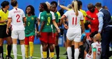 Women's World Cup: England boss Phil Neville 'ashamed' by Cameroon behaviour 3