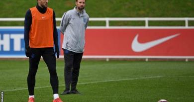 Harry Kane: England boss Gareth Southgate says 'we do not risk players' 2
