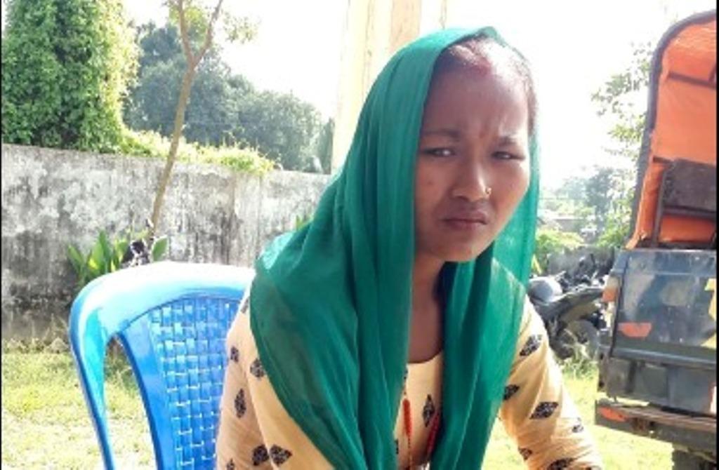 कोशी नदीमा फाम फालेकी महिलाको सकुशल उद्धार