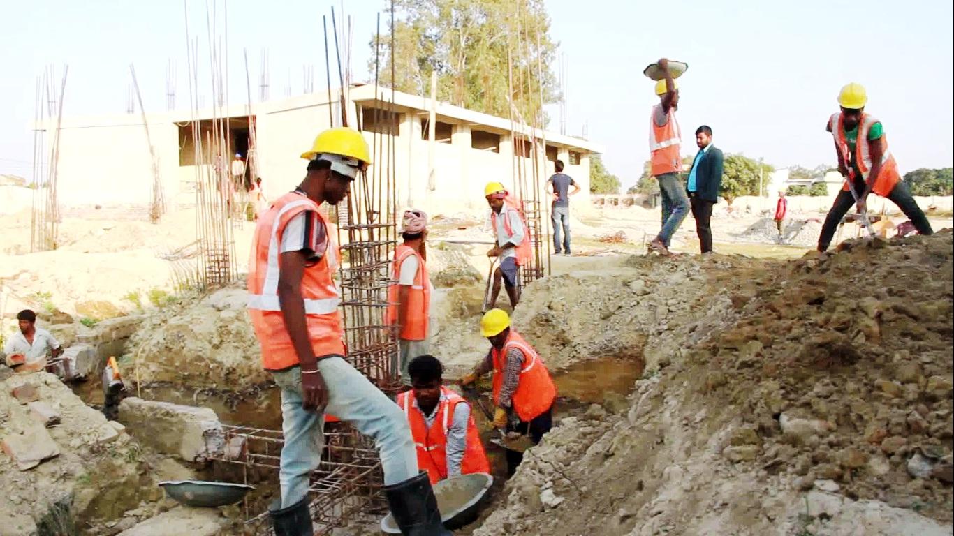 राजविराज बसपार्क निर्माण कार्यमा तिब्रता