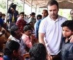 rahul_gandhi_kerala_floods-770x433