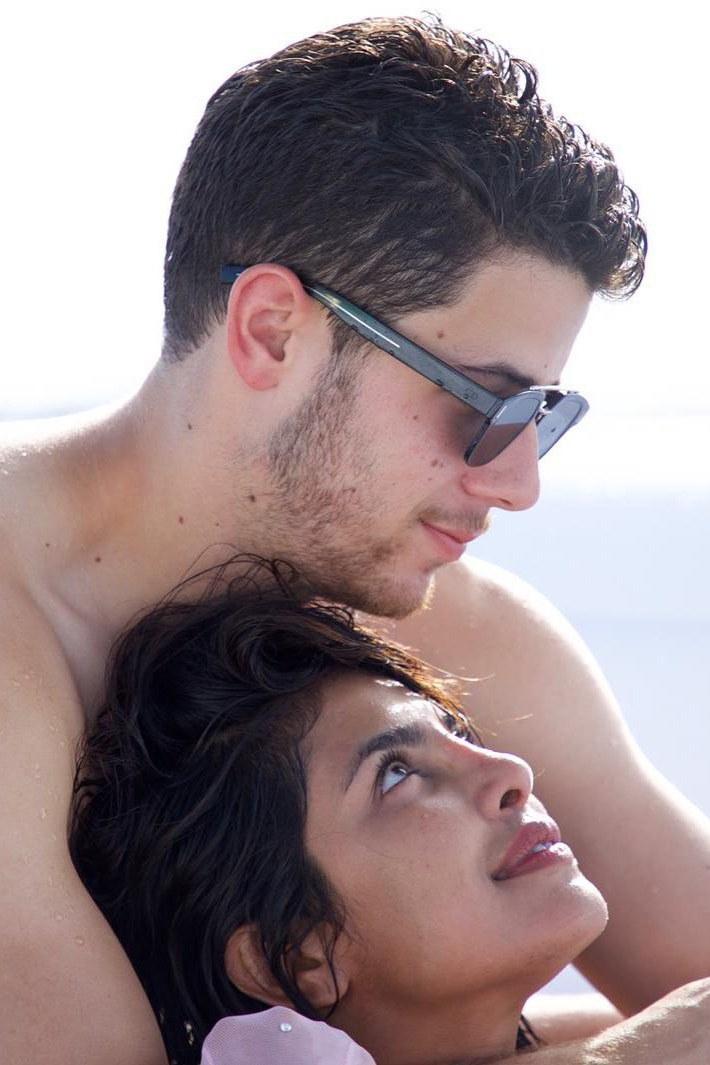Nick-Jonas-and-Priyanka-Chopra (1)