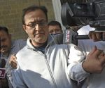 Rana Kapoor, the founder of Yes Bank is pictured after his arrest in Mumbai on March 8, 2020. - The founder of India's Yes Bank was arrested on allegations of money laundering on March 8, amid efforts to formulate a rescue plan for the country's fourth-largest private lender. (Photo by Bhushan KOYANDE / AFP)