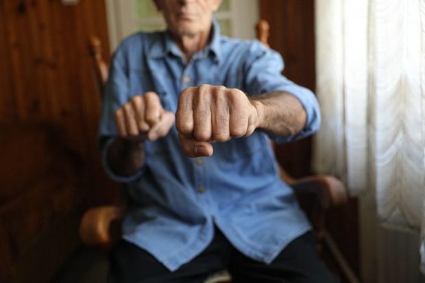 violent-outbursts-in-dementia-caregiving