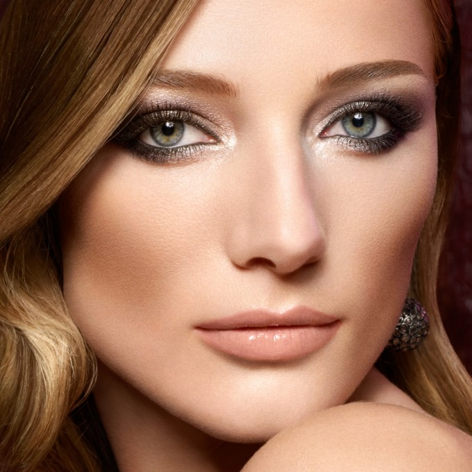 make-up for green eyes step by step