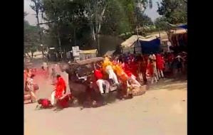 People Going for Durga immersion in Chhattisgarh were crushed by a speeding car, watch video