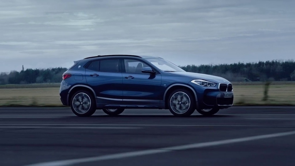 2021 BMW X2 Images