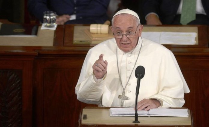 Pope condemns Gaza killings, says Mideast needs justice, peace