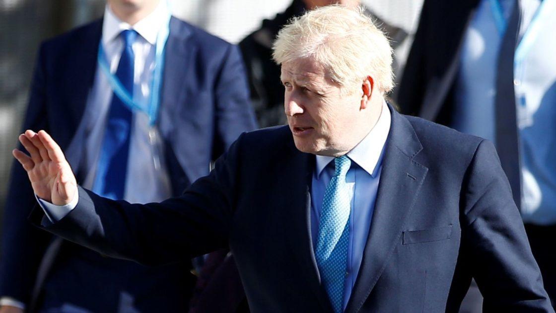Political journalists boycott No 10 briefing after Boris Johnson's aid bans reporters