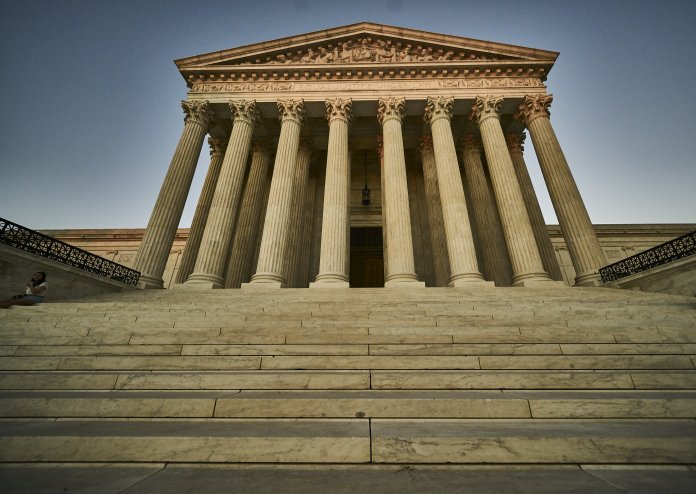 More than 200 lawmakers urge Supreme Court to 'reconsider' Roe v. Wade