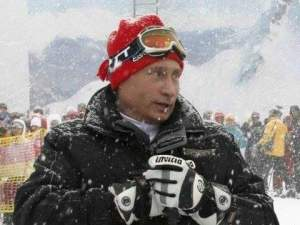 The entire Russian Government resigns after Putin carves out new power base