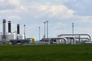 Pompeo pledges $1 billion in US support for European energy initiative