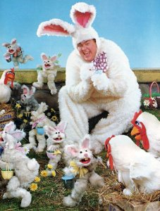 OHIO Man armed with gun  threatens Easter Bunny!