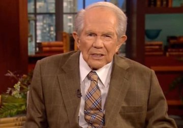 Pastor Pat Robertson Scolds Trump for Threatening Military Intervention on Protesters