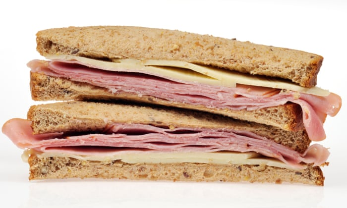 Dutch officials seize ham sandwiches of drivers arriving from UK