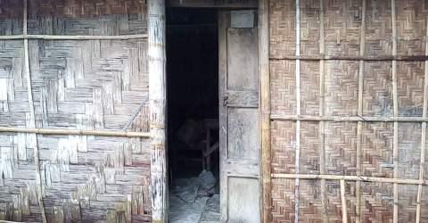 ঠাকুরগাঁও রুহিয়ায় রাতের আধারে ঘরের তালা ঠাকুরগাঁও রুহিয়ায় রাতের আধারে ঘরের তালা ভেঁঙ্গে গরু চুরি