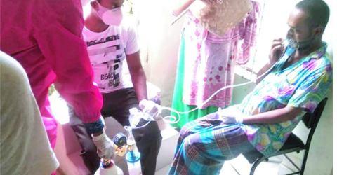 রেড ক্রিসেন্ট চট্টগ্রামের বিনামূল্যে অক্সিজেন সেবা কার্যক্রম অব্যাহত