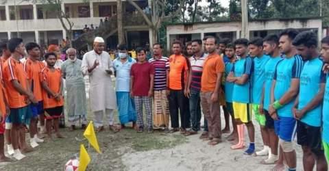 বন্দবের ইউনিয়ন কল্যাণ সংস্থার আয়োজনে ফুটবল টূর্ণামেন্ট'২০ এর উদ্বোধনী ম্যাচ অনুষ্ঠিত
