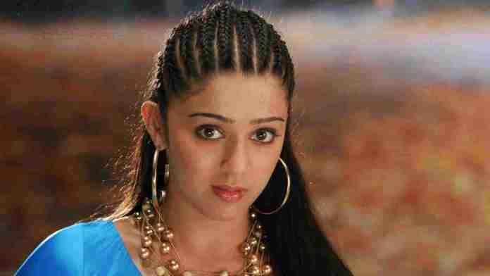 Charmi Kaur hot coemmts on ram