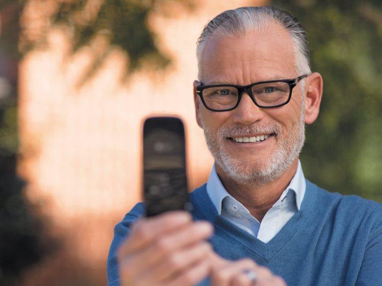 Simplicity and savings trigger flip phone comeback
