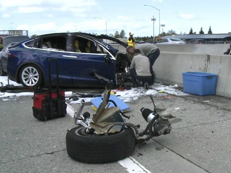 A.I. Kills another human as a Tesla crashes into tractor-trailer