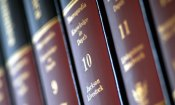 Encyclopedia Britannica now online only, print version to stop