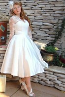 http://www.raihan-wed.com/wedding-dress/go-retro-with-classic-wedding-dresses-from-dolly-couture/
