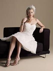 http://vivifypicture.com/top-ten-wedding-dress-style-in-2013-tea-length/top-10-2013-wedding-dress-style-tea-length-3