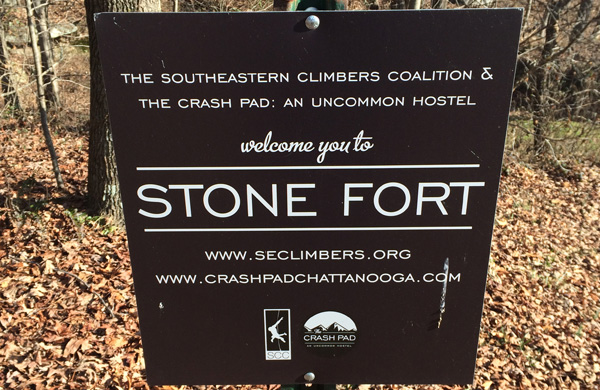 stone-fort-sign