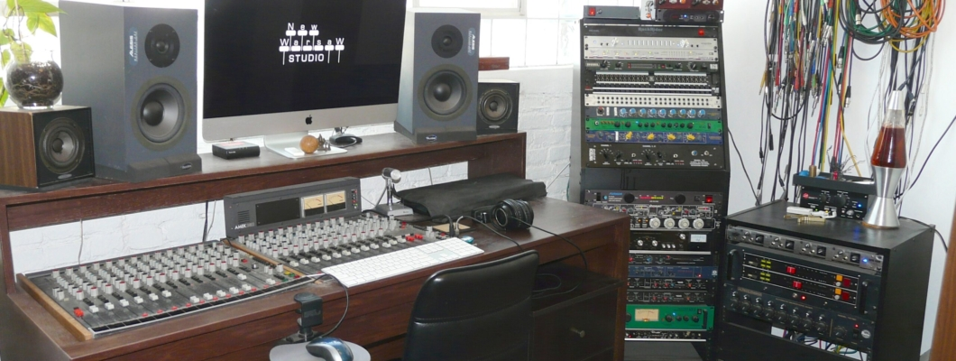 Console and Racks 2