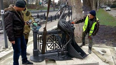 Архитектор выступил за демонтаж установленной скульптуры цапли в Крыму