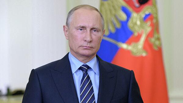 Около 70% россиян доверяют Путину, показал опрос
