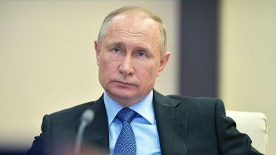 Песков рассказал, что Путину сейчас не хватает живого общения