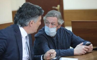 Пашаев заявил, что Ефремов не просил увести его от наказания