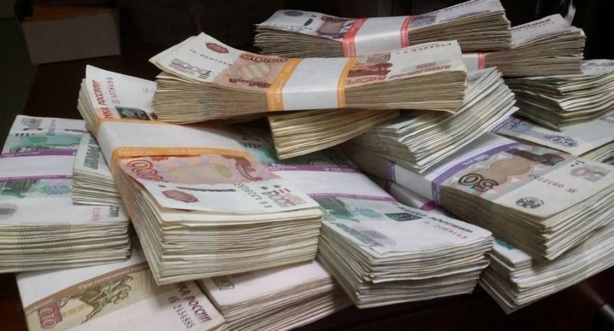 В 2021 году реальная зарплата в России может вырасти на 3,5-4%