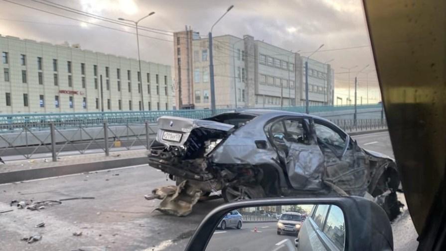 Водитель BMW сбежал от ДПС на Писарёвском проспекте