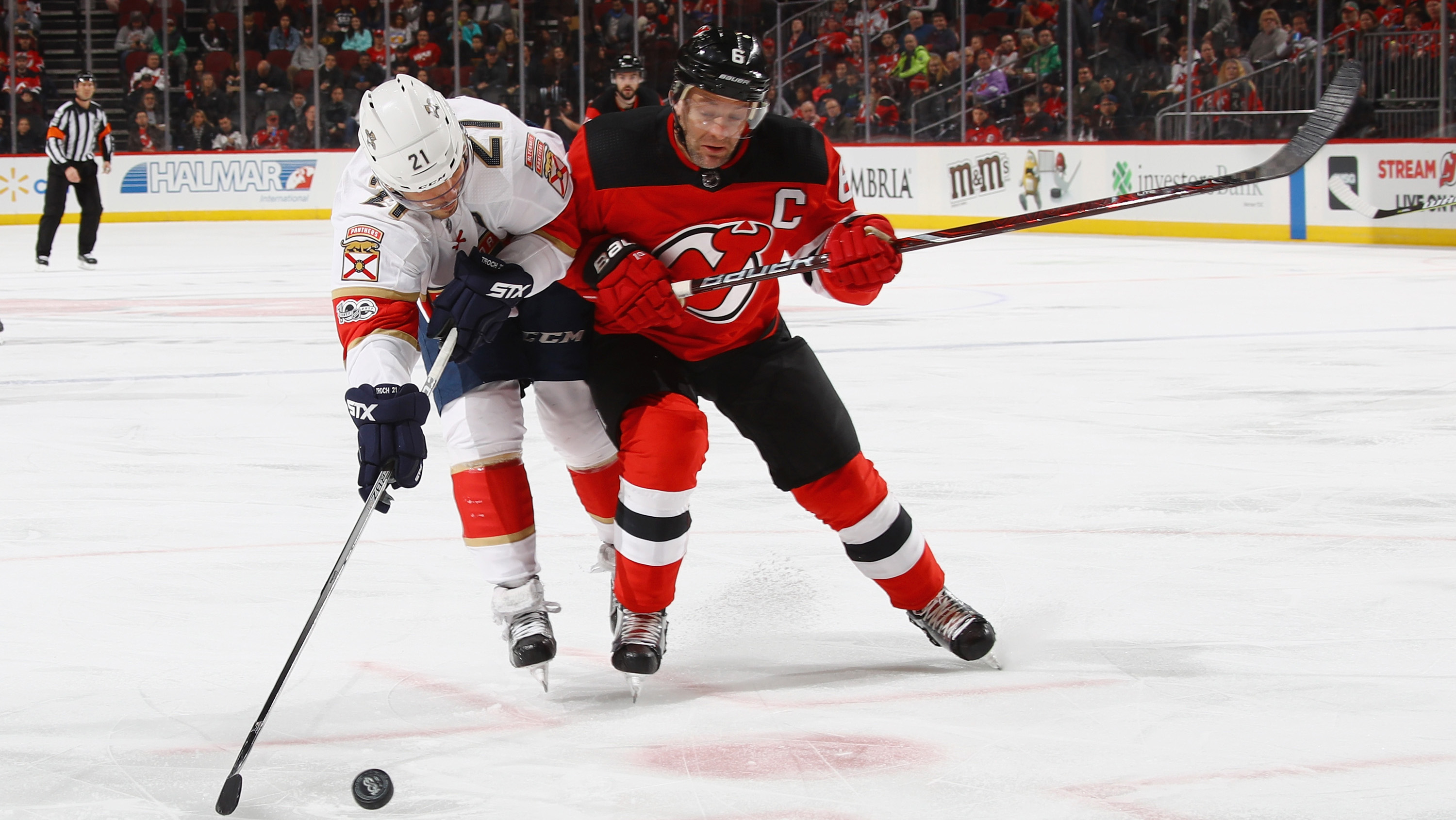 Islanders Bolster Defense, Acquire Devils Captain Greene