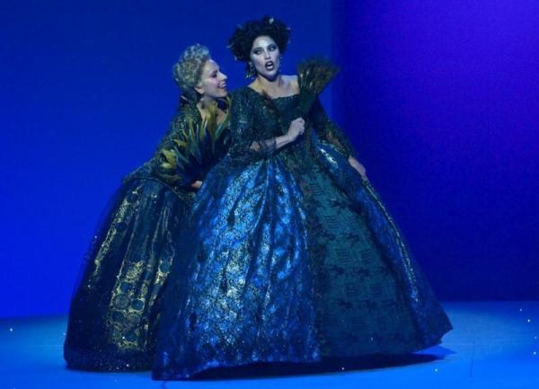 Juno (Genaux, right), Iris (Azzaretti, left) in David McVicar's production of Handel's Semele at the Théâtre des Champs-Élysées.