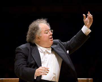 James Levine leads the Boston Symphony Orchestra, 2007-08 Season. Photo © Michael J. Lutch.