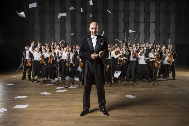 Emmanuel Villaume and the Prague Philharmonia