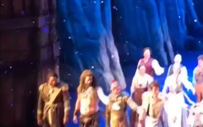 Check out the footage of tonight's fiasco at the curtain call of Disney's Frozen on B
