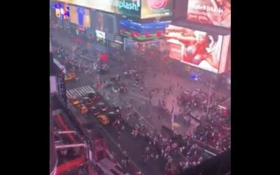 Social: Thousands Flee As Motorcycle Backfire Causes Panic In Times Square