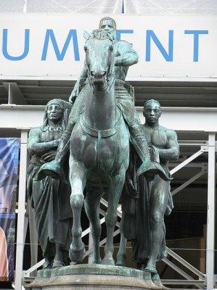 Roosevelt statue