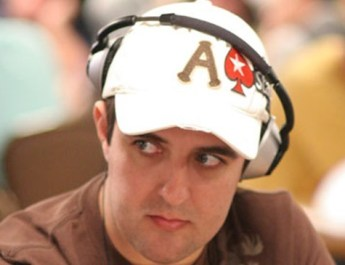 PSC BARCELONA: ANDRE AKKARI LEADS MAIN EVENT FINAL 16, TOLLERENE CHOPS €25K HIGH ROLLER