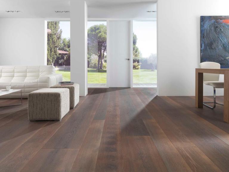 Oak engineered wood floor (PEFC-certified)