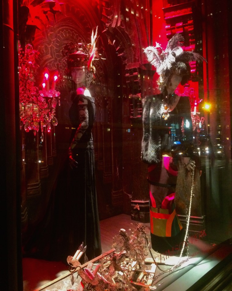 bergdorf_crimson_peak_window