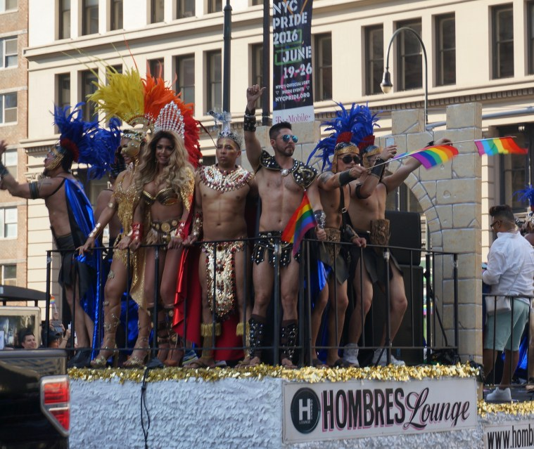 NYC Pride 2016 hombres lounge