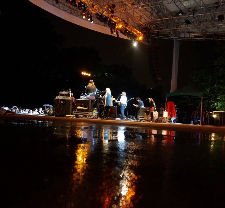 indigo girls summerstage rain