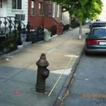 This image shows how to measure the distance between your car and a fire hydrant